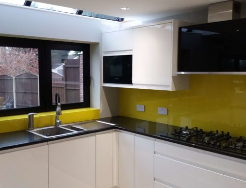 Adding a big splash of colour with Glass Splashbacks